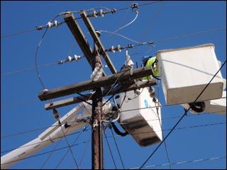 overhead-powerline-transformer-repair