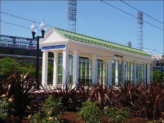 harbor-park-light-rail-station